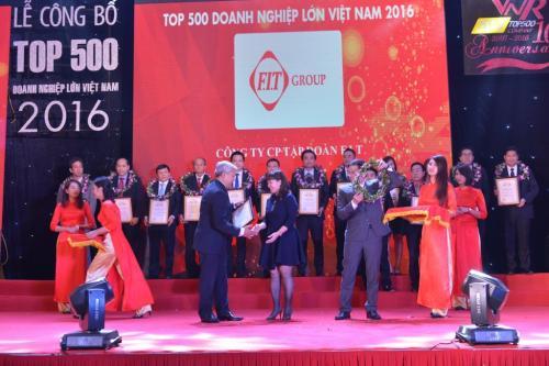 FIT tham dự lễ trao giải VNR500